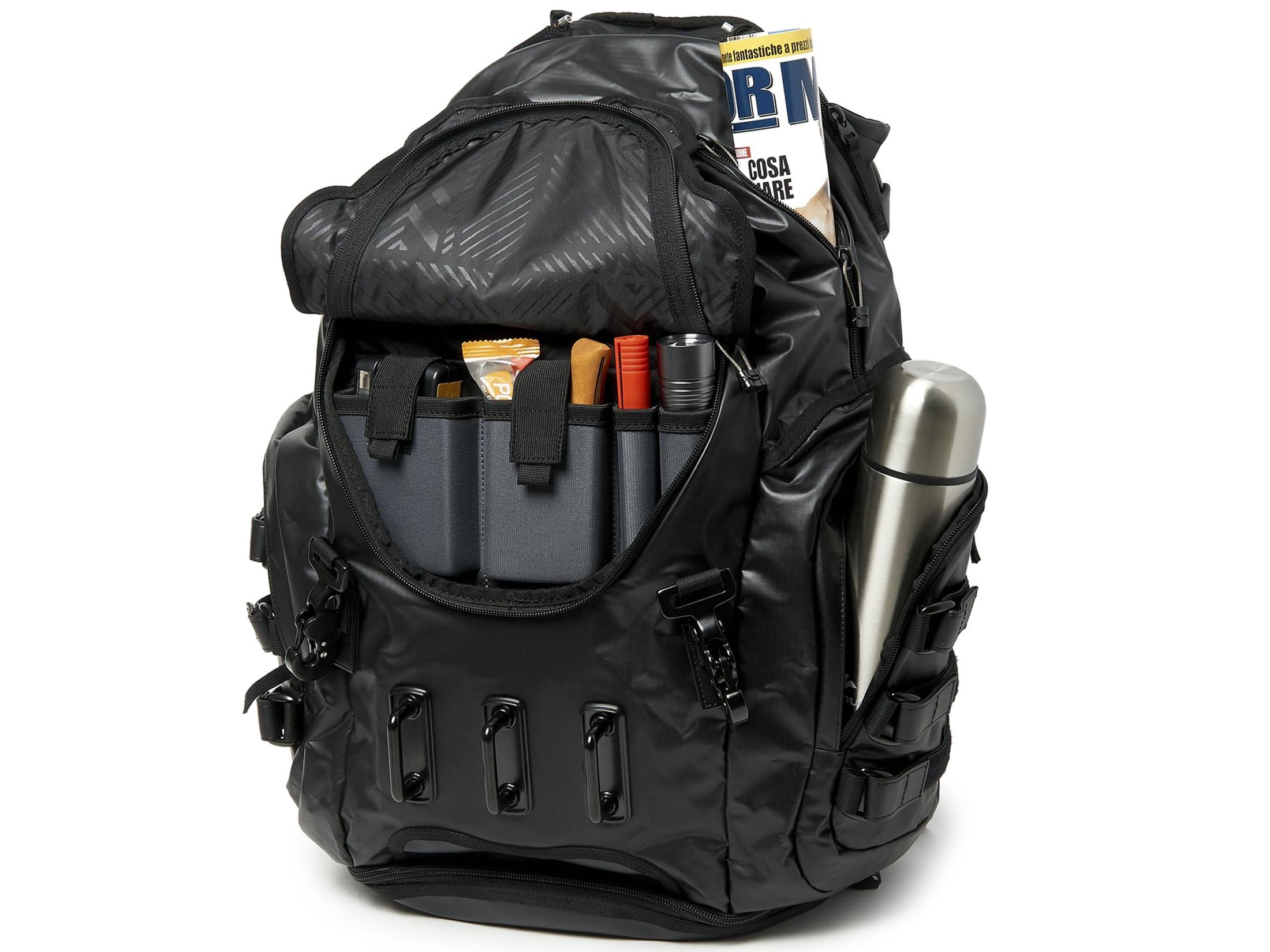 19dcdd12dc3f Oakley Kitchen Sink LX Designer Backpack Stealth Black